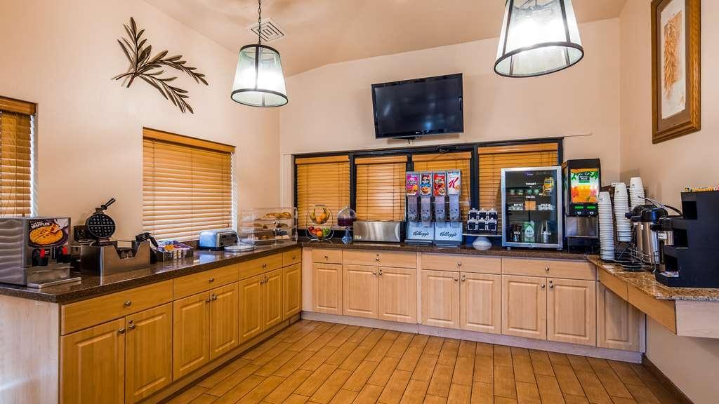 Best Western Sawmill Inn - Breakfast Area