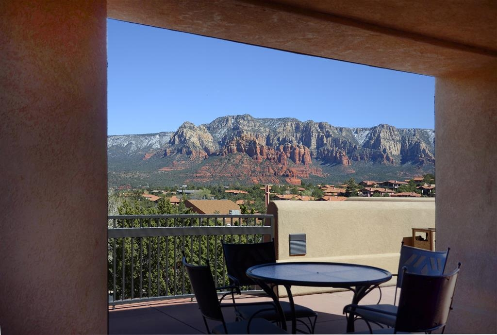 Best Western Plus Inn of Sedona - Looking southeast from one of the covered seating areas on the sunrise side terrace.