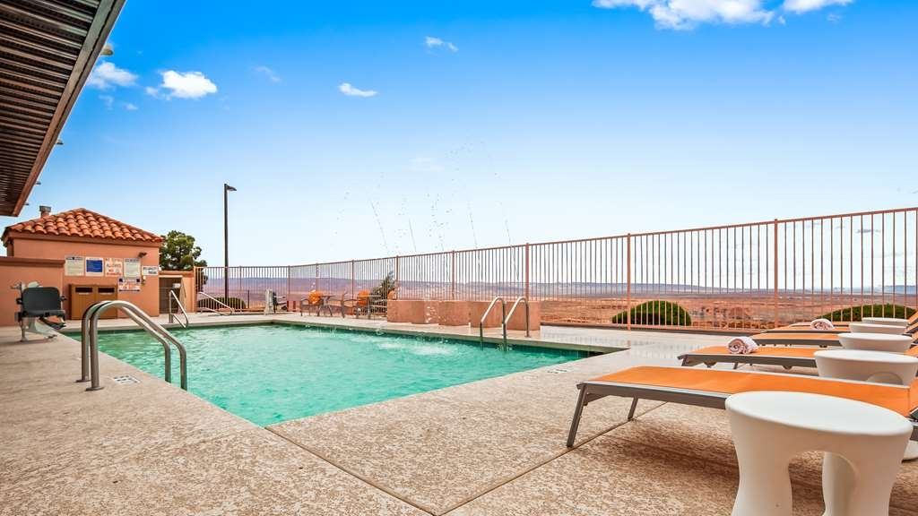 Best Western View of Lake Powell Hotel - Poolansicht