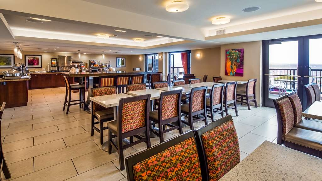 Best Western View of Lake Powell Hotel - Le petit déjeuner buffet