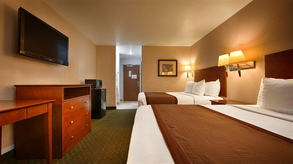 Best Western Parker Inn - Two Queen Bed Guest Room