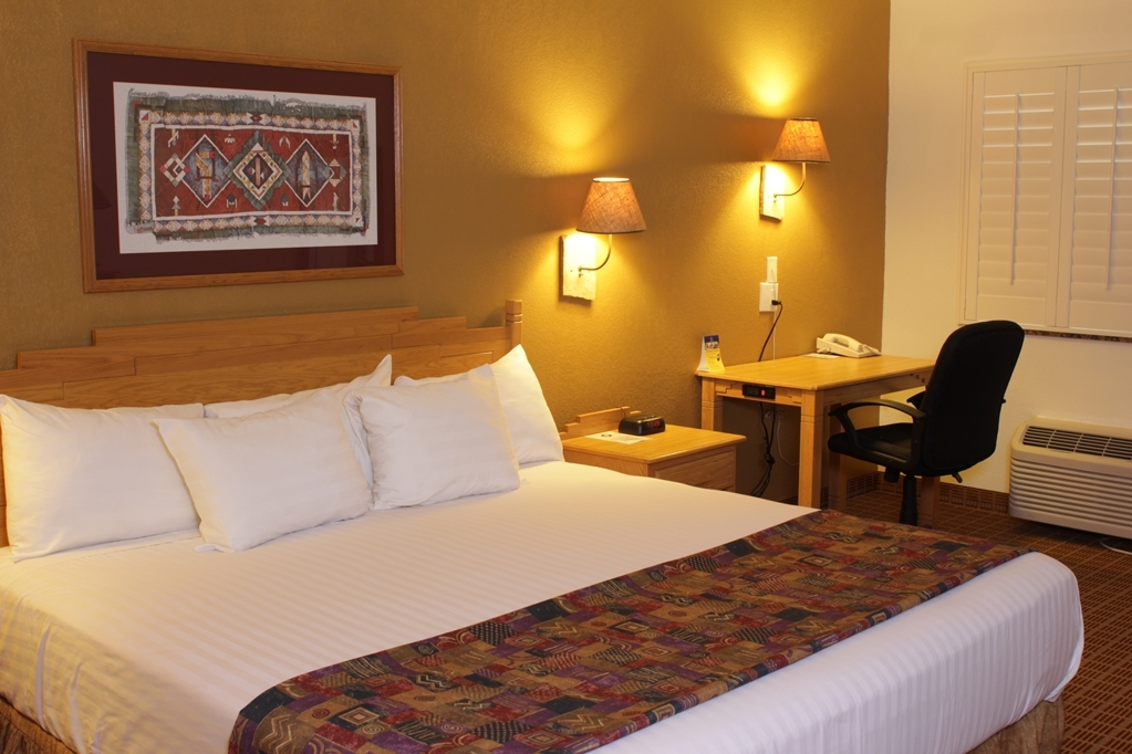 Best Western Gold Canyon Inn & Suites - Mobility Accessible King Guest Room