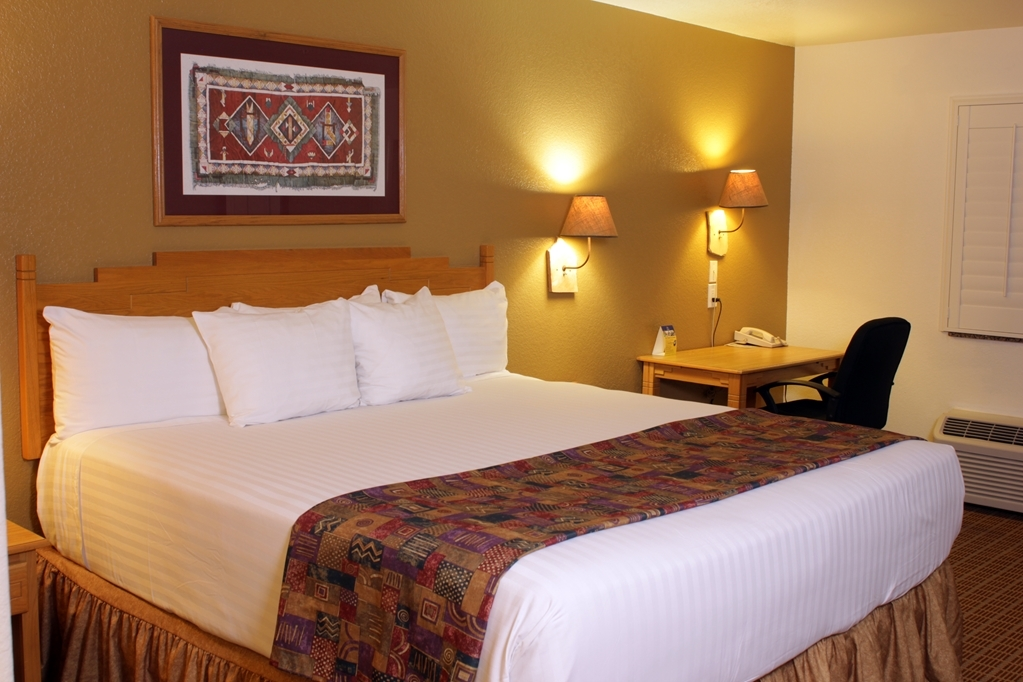Best Western Gold Canyon Inn & Suites - King Bed Guest Room
