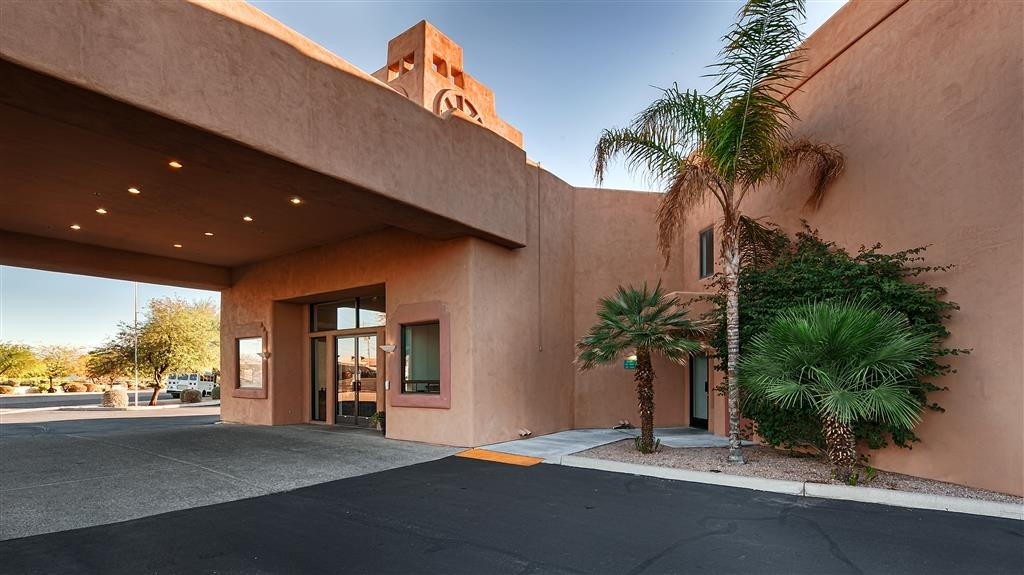Best Western Apache Junction Inn - Facciata dell'hotel