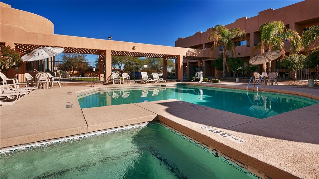 Best Western Apache Junction Inn - Piscina y bañera de hidromasaje