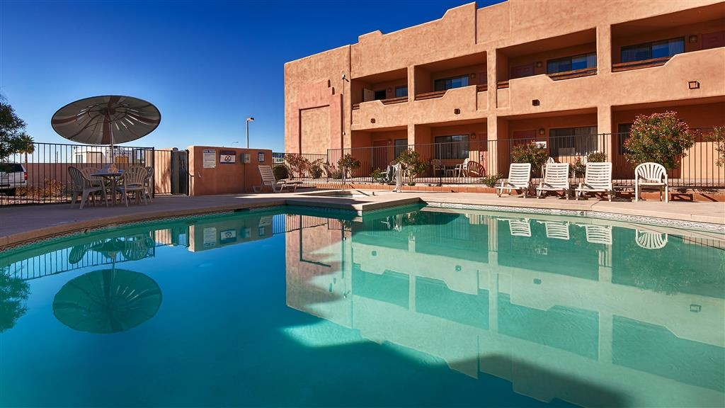 Best Western Apache Junction Inn - Vista de la piscina