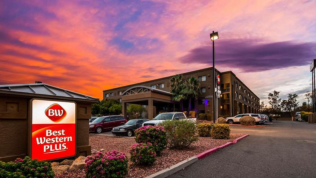 Best Western Plus Tempe by the Mall - Aussenansicht