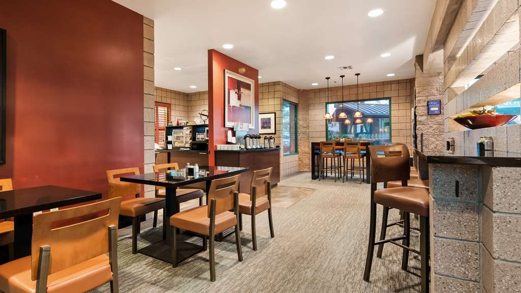 Best Western Plus Sundial - Breakfast Area