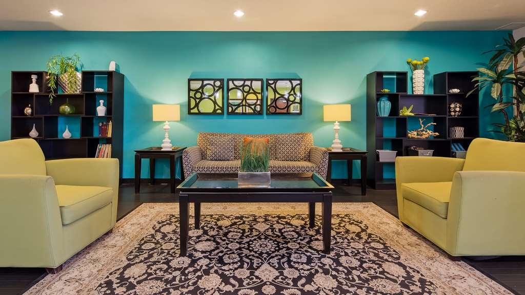 Best Western Douglas Inn & Suites - Lobby