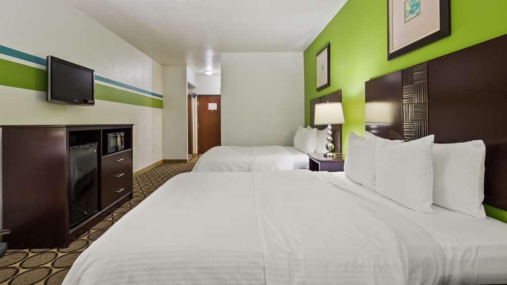 Best Western Douglas Inn & Suites - Two Queen Guest Room