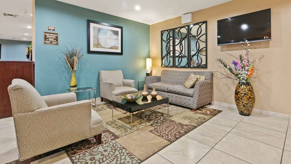 Best Western Sonora Inn & Suites - Lobby Front Desk - Please come in and relax while checkin