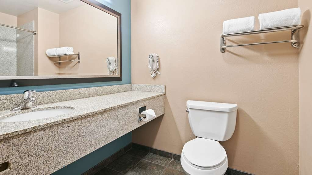 Best Western Sonora Inn & Suites - Guest Room, bathroom