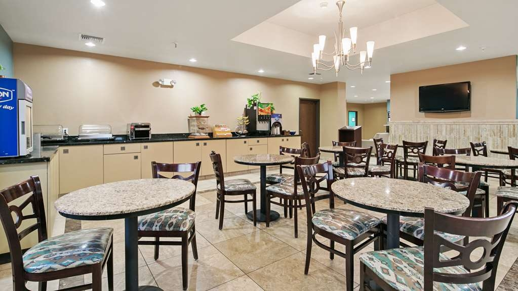 Best Western Sonora Inn & Suites - Breakfast Area - Enjoy our delicious variety of items for breakfast, hot and cold items available