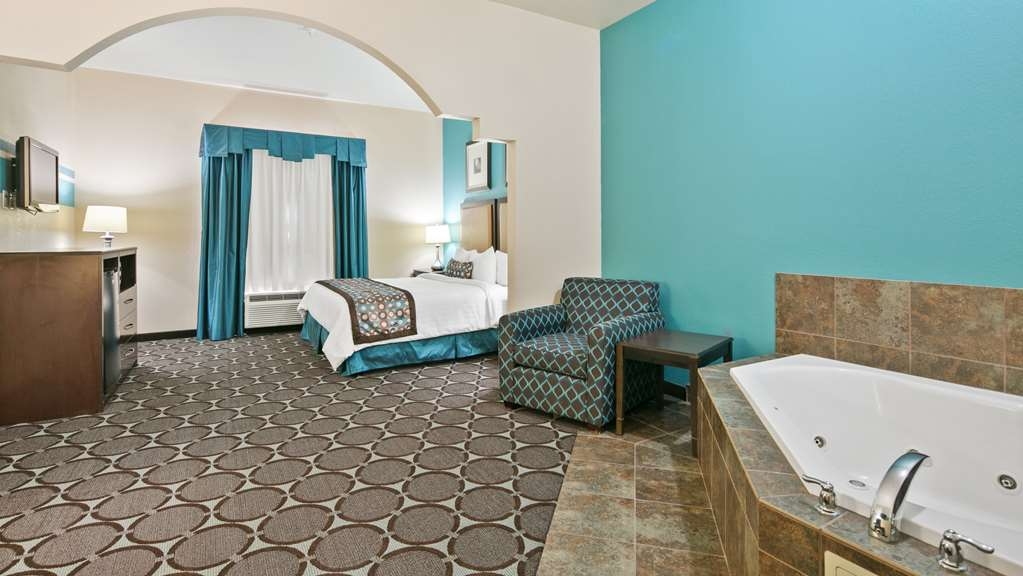 Best Western Sonora Inn & Suites - One King Bed with Whirlpool to relax and enjoy the days of walking, working or driving long distance.