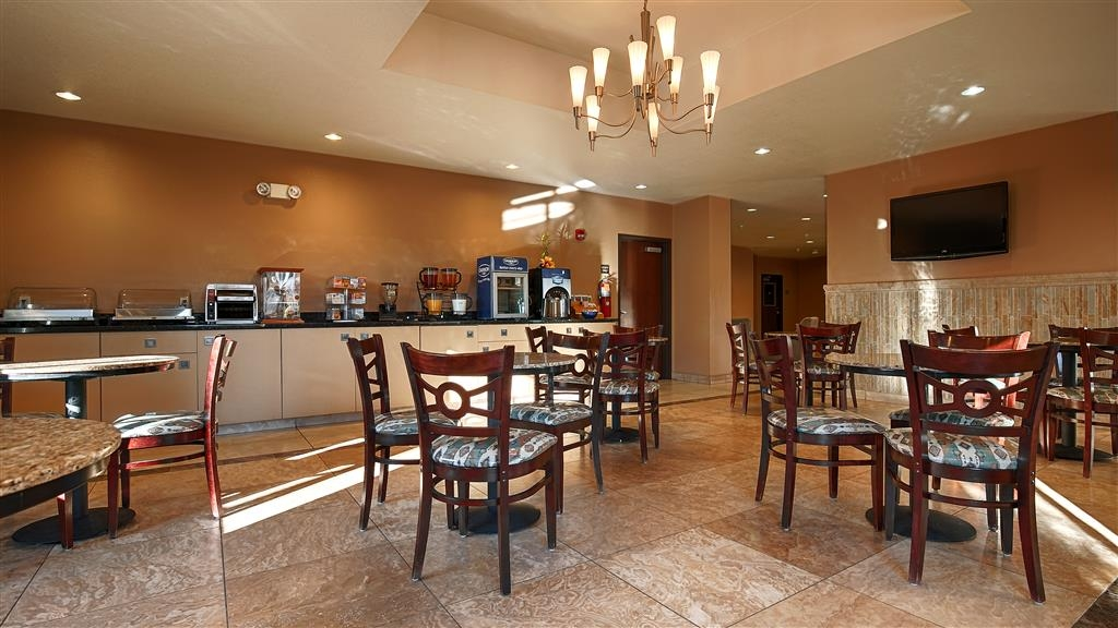 Best Western Sonora Inn & Suites - Dining Area - come and enjoy our hot breakfast in the mornings