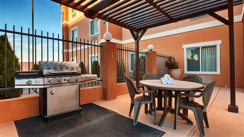Best Western Sonora Inn & Suites - Hotel Patio