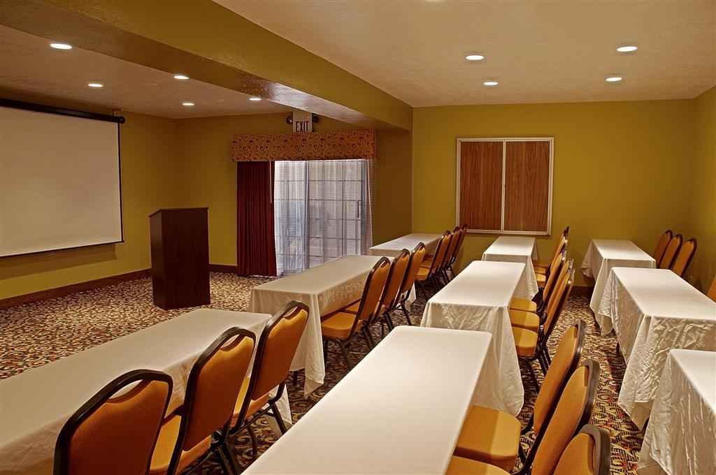 Best Western Green Valley Inn - The La Canada Meeting Room is perfect for your event or meeting.