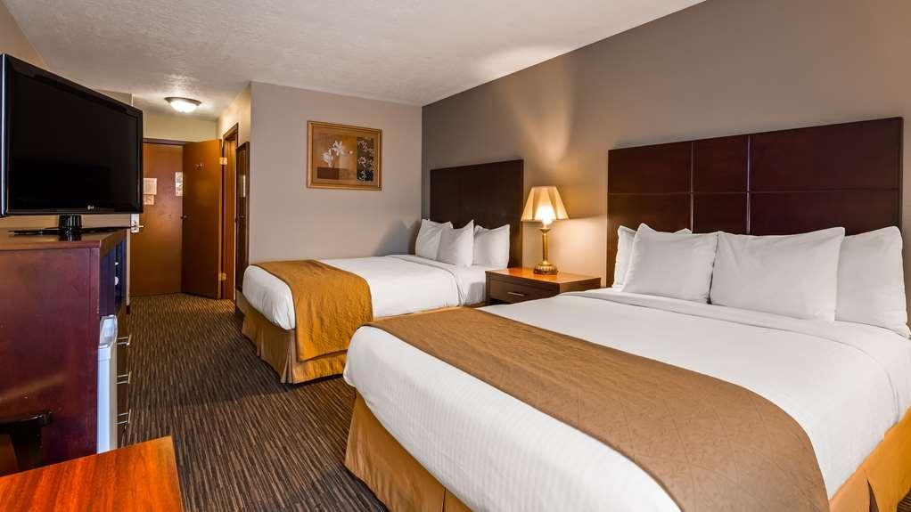 Best Western Green Valley Inn - Deluxe Two Queen Guest Room
