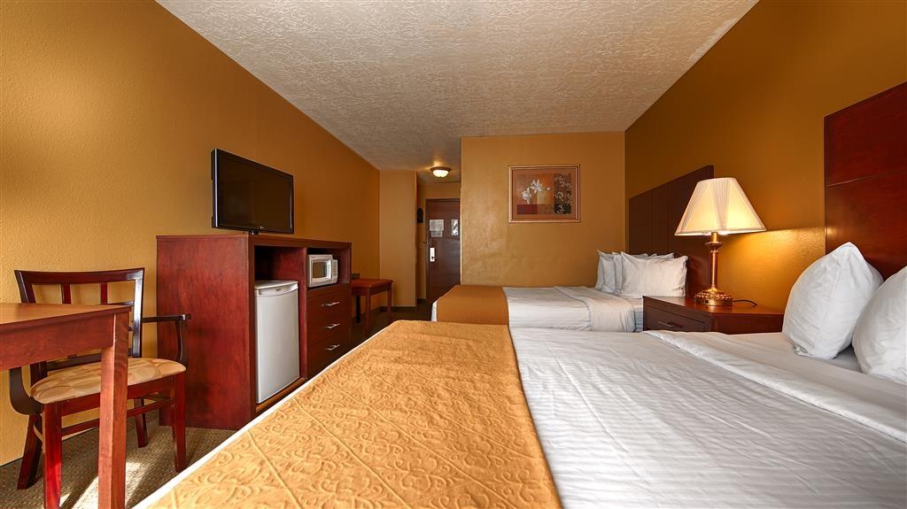 Best Western Green Valley Inn - Guest Room Two Queen Beds