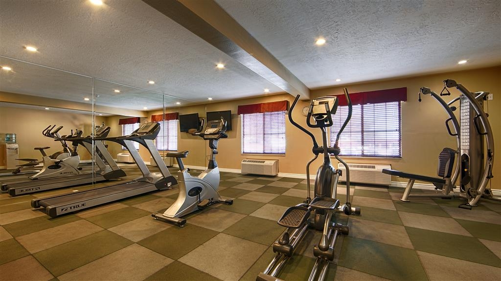 Best Western Green Valley Inn - You wont have to miss your scheduled workout in our 24 hour Fitness Center