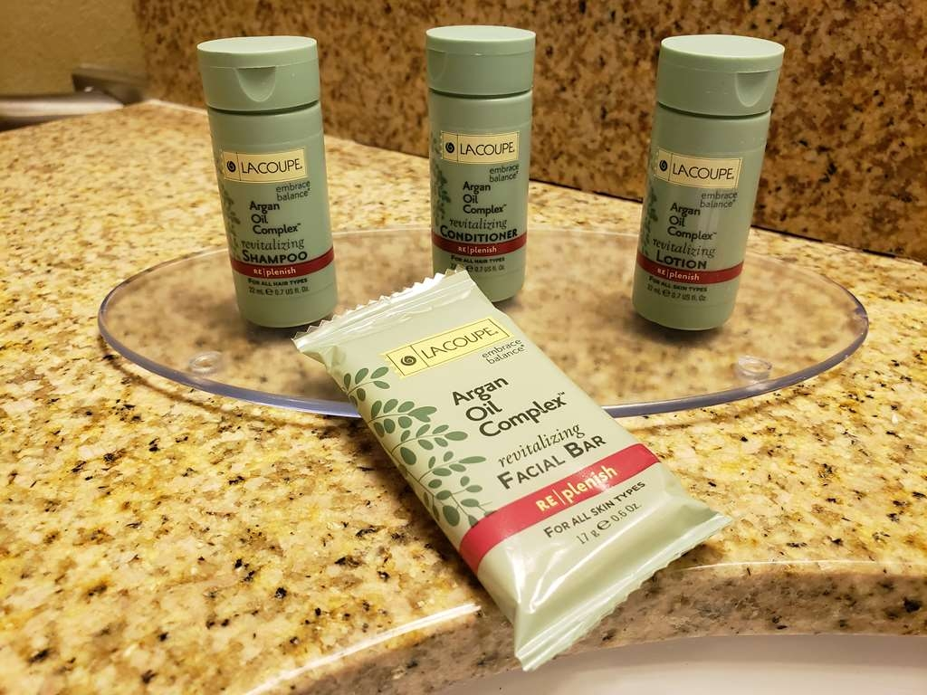 Best Western Gold Poppy Inn - Enjoy our new bathroom amenities