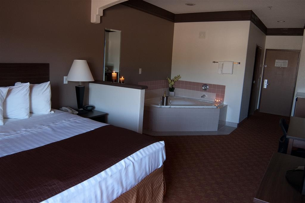 Best Western Tolleson Hotel - Book a room with a whirlpool tub for ultimate relaxation!