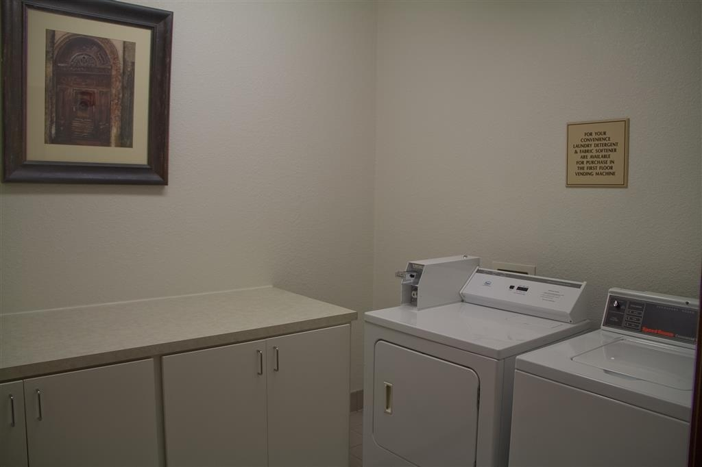 Best Western Tolleson Hotel - A guest laundry facility is available for your use.