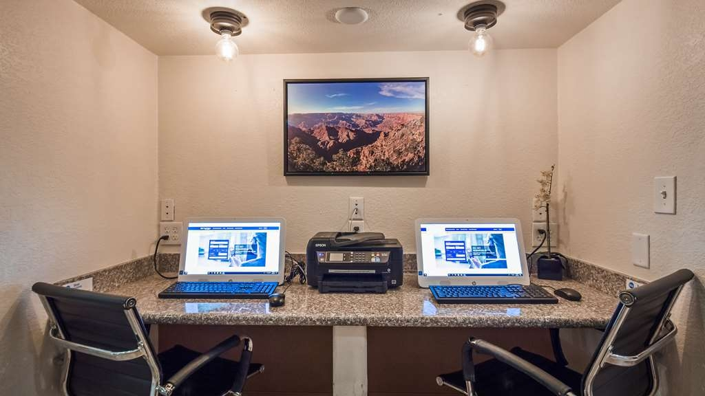 Best Western Tolleson Hotel - Keep connected in our business center.