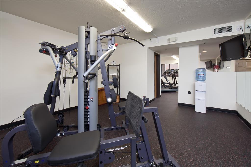 Best Western Plus Scottsdale Thunderbird Suites - In unserem Fitnessstudio steht Ihnen eine Vielzahl an Geräten zur Verfügung.