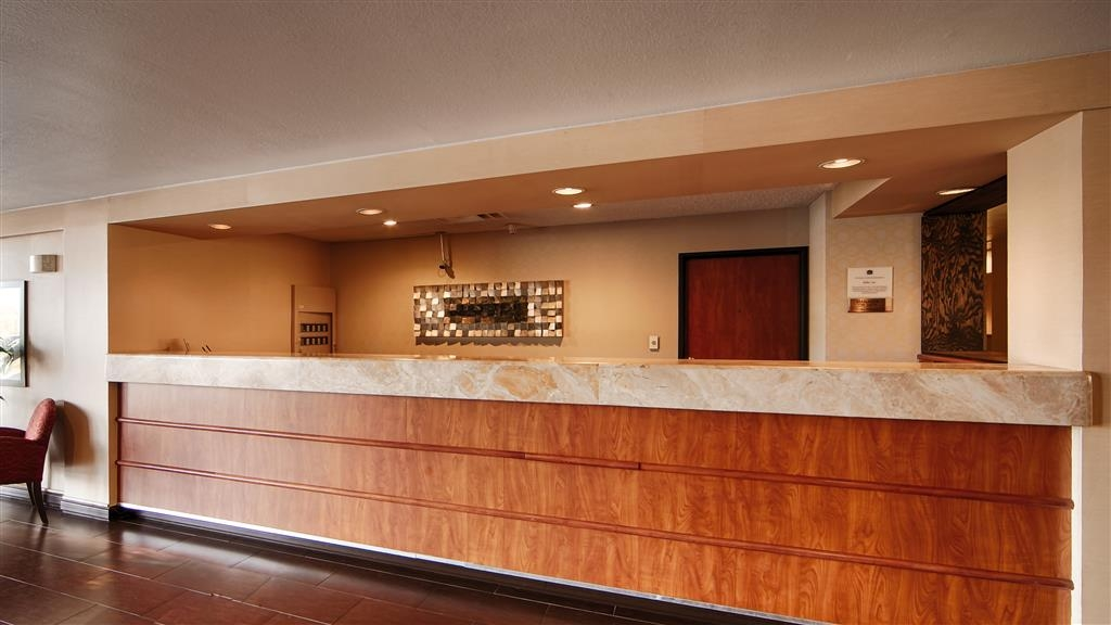 Best Western Plus Mesa - Front Desk