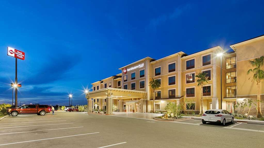 Best Western Plus Chandler Hotel & Suites - Vista Exterior