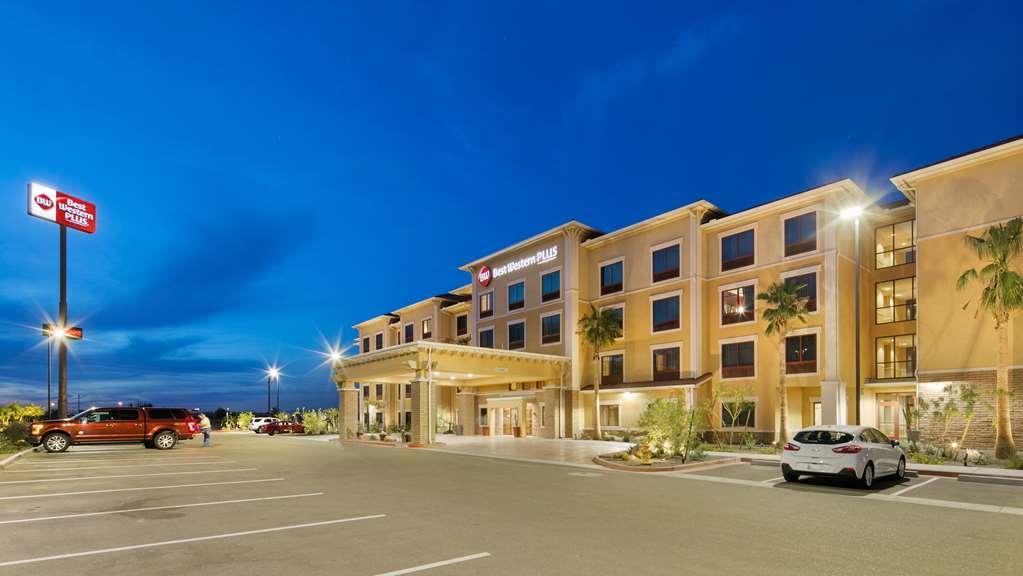 Best Western Plus Chandler Hotel & Suites - Façade