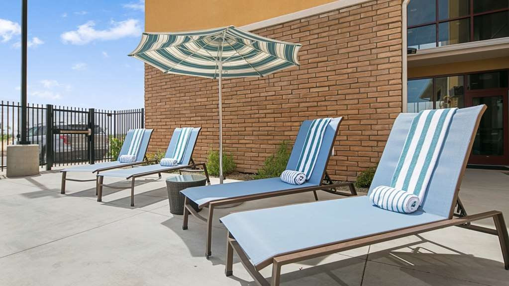 Best Western Plus Chandler Hotel & Suites - Piscina