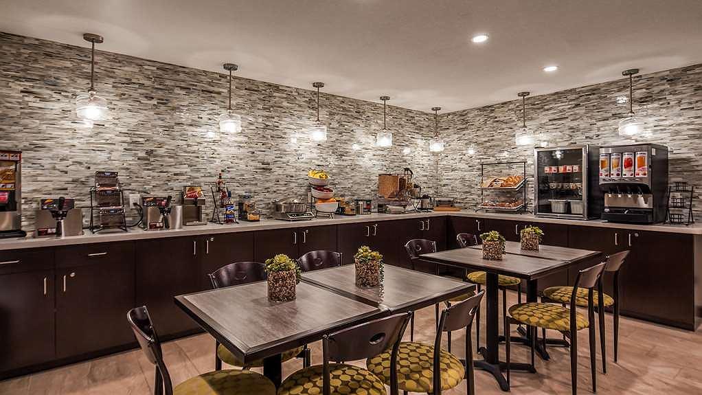 Best Western North Phoenix Hotel, Hotel Breakfast Room Furniture