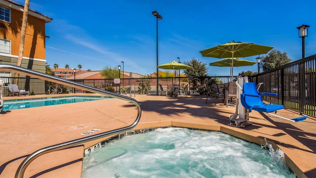 Best Western North Phoenix Hotel - Vista de la piscina