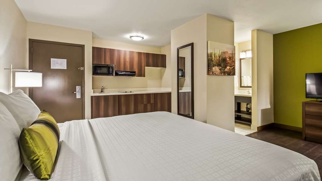 Best Western North Phoenix Hotel - King Guest Room