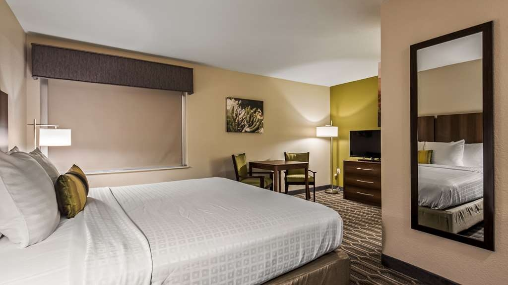 Best Western North Phoenix Hotel - King Guest Room with Wetbar