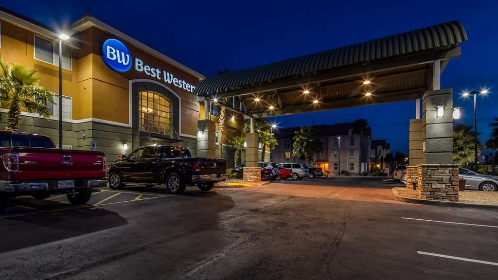 Best Western North Phoenix Hotel - Facciata dell'albergo