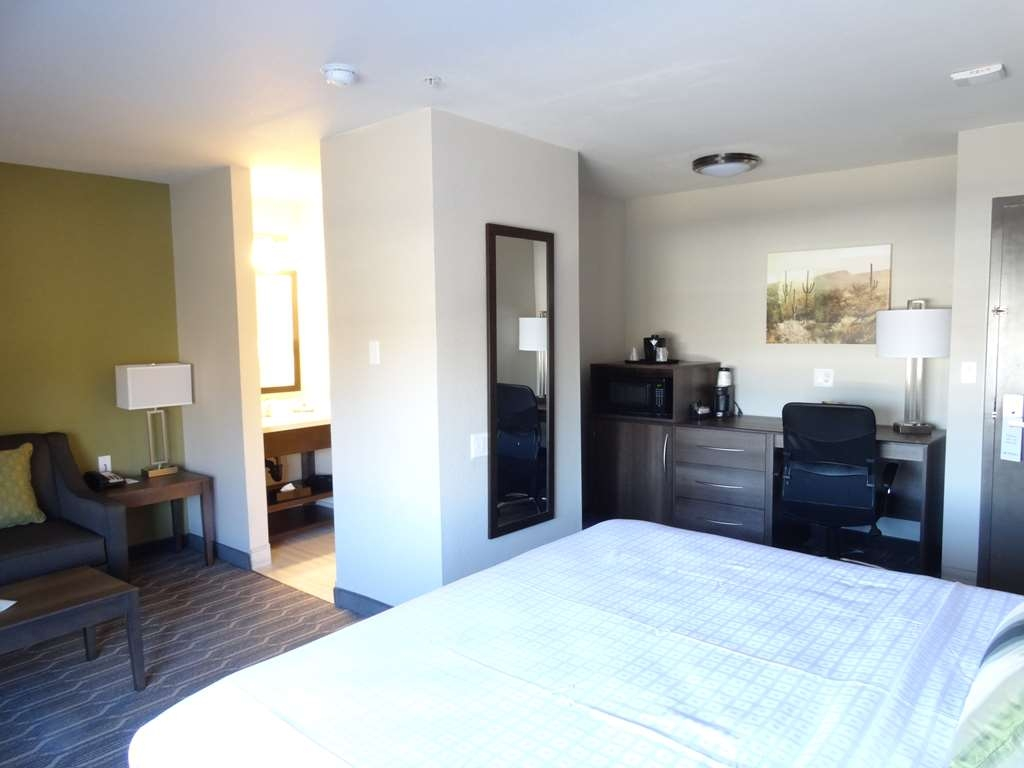 Best Western North Phoenix Hotel - King Guest Room with Sofabed