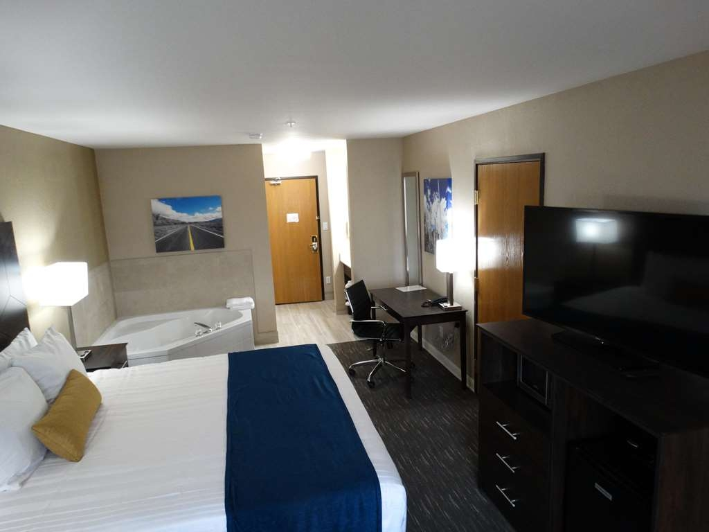 Best Western Snowflake Inn - King Whirlpool Suite