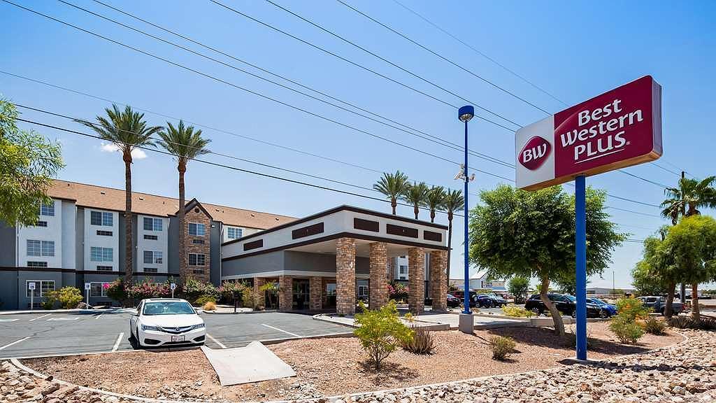 Best Western Plus Yuma Foothills Inn & Suites - Aussenansicht