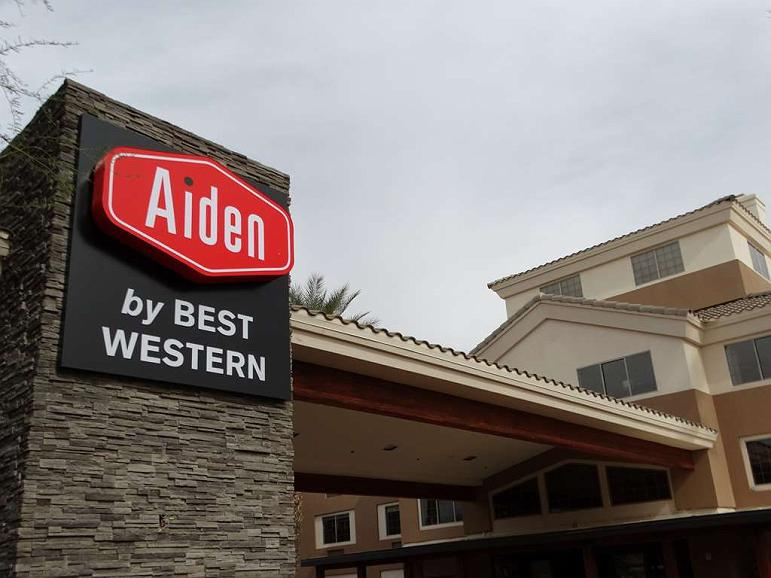 Aiden by Best Western @ Scottsdale North - Vista exterior