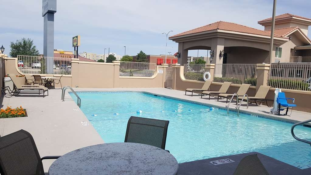 Best Western El Rancho Palacio - Catch plenty of sun and relax by our refreshing pool open May-September