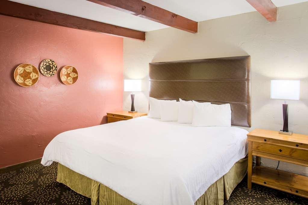 Best Western Mission Inn - Sleep the night away in our king guest room.
