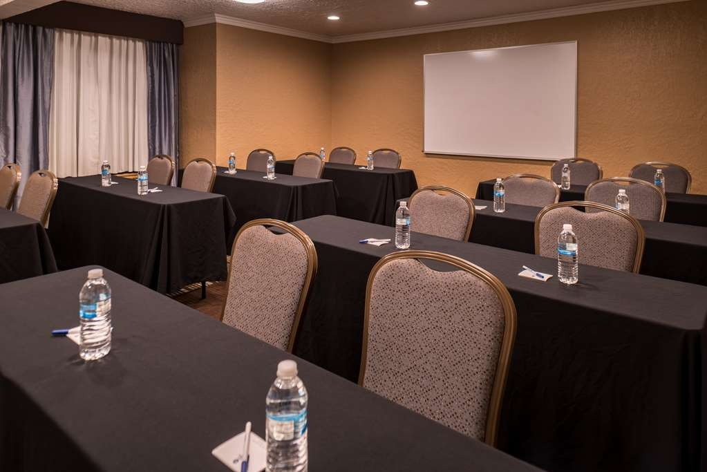 Best Western Airport Albuquerque InnSuites Hotel & Suites - Besprechungszimmer