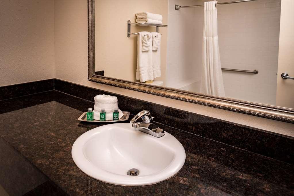 Best Western Airport Albuquerque InnSuites Hotel & Suites - Camere / sistemazione