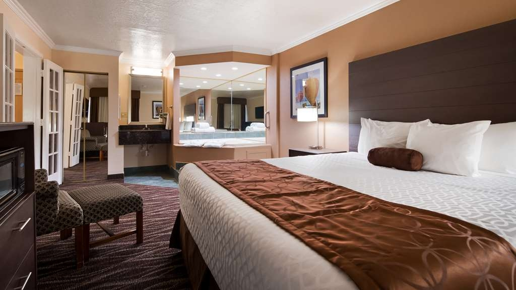 Best Western Airport Albuquerque InnSuites Hotel & Suites - Suite