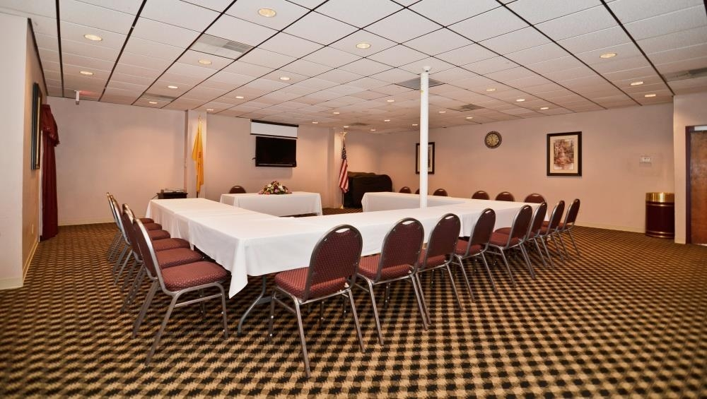 Best Western Pecos Inn - Our friendly and knowledgeable hotel staff will be happy to assist you every step of the way when planning your event.