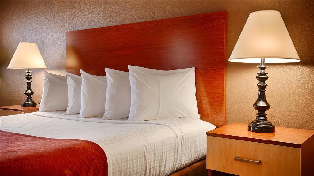 Best Western Discovery Inn - Gästezimmer