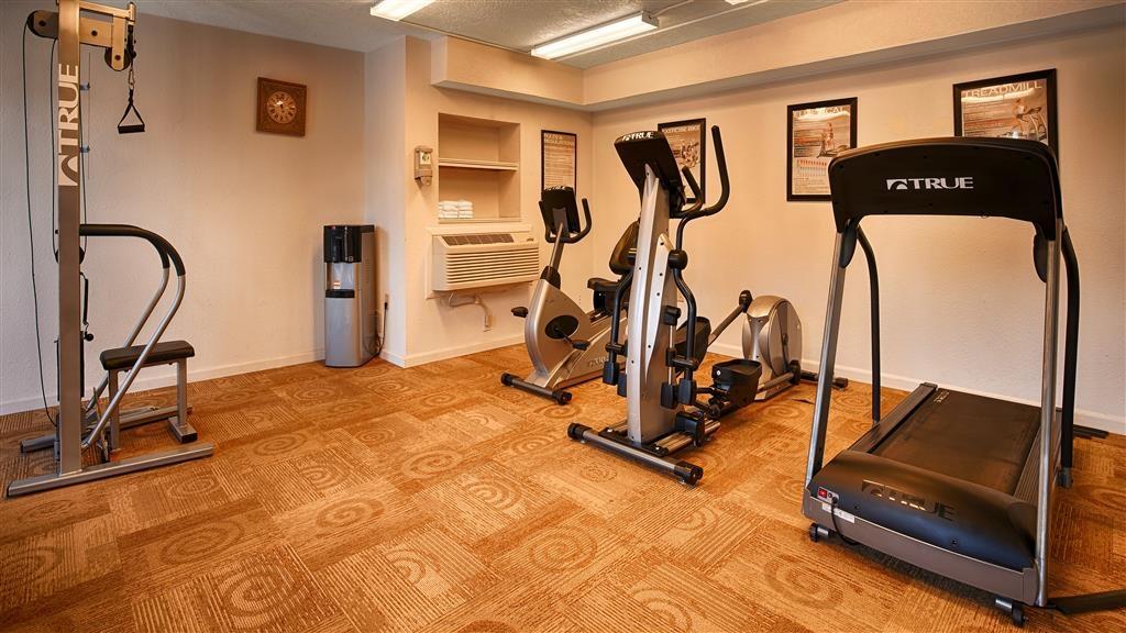 Best Western Discovery Inn - Tanken Sie mit einem Training in unserem rund um die Uhr geöffneten Fitnessstudio neue Energie.